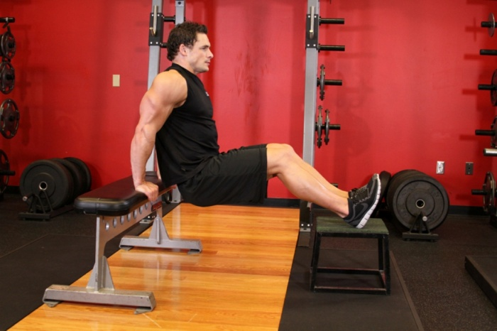bench 10 MMA Workouts to Achieve Fitness