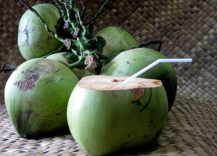 benefits-of-drinking-coconut-water-2 6 Amazing Health Benefits Of Drinking Coconut Water