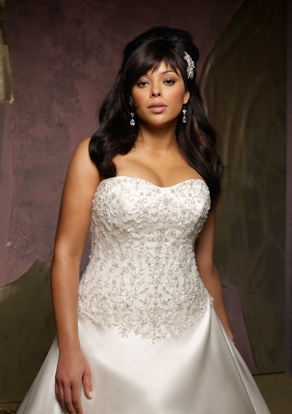 bg_3128-0471 Tips To Choose The Perfect Plus Size Bridal Dress...