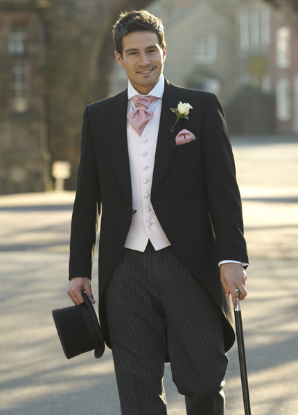 black-wedding-suits-for-men1 Which One Is The Perfect Wedding Suit For Your Big Day?!