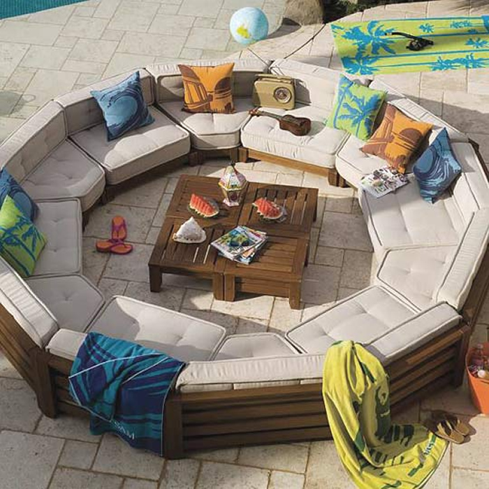 circle-wicker-outdoor-furniture-set 32 Most Interesting Outdoor Furniture Designs