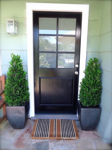 cococozy-front-door-black-stripe-striped-doormat-mat-boxwood-topiaries 5 Tips On Choosing The Suitable Front Door Mat Or Rug