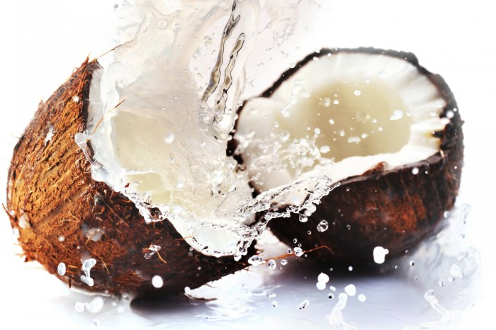 coconut-water-splash 6 Amazing Health Benefits Of Drinking Coconut Water