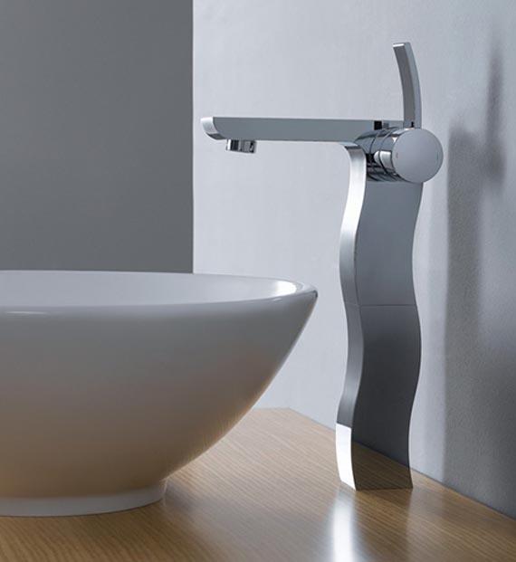 contemporary-bathroom-faucet-design-for-bathtub 40 Breathtaking and Unique Bathroom Faucets