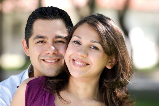 couple Do You Know How to Create a Wedding Website?