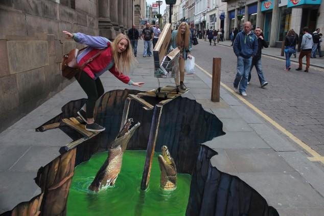 croc3small11-634x422 26 Most Stunning 3D Street Art Paintings