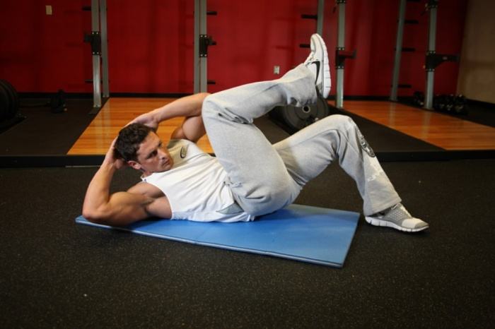 cross-body-crunches What Are the Military Workouts?