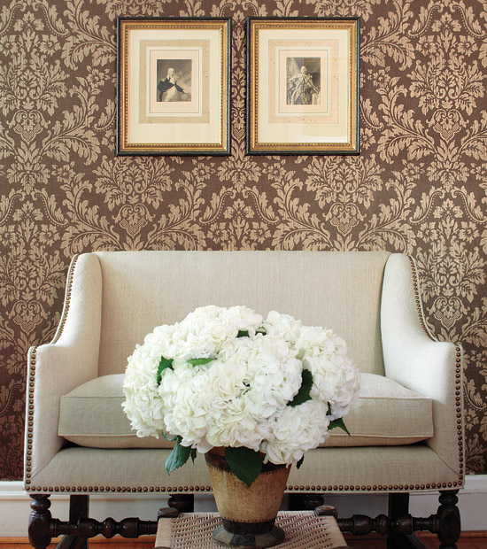 damask8 Tips On Choosing Wall Papers For Your Living Room