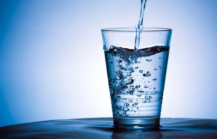 drinking-water-promotes-weight-loss_zps93f908d8 10 Foods That Could Fight The Aging Signs On Your Body