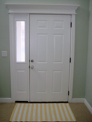 front-door-with-rug 5 Tips On Choosing The Suitable Front Door Mat Or Rug