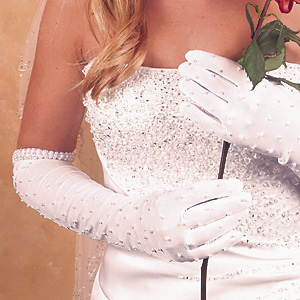 full-bridal-gloves-20100708119 35 Elegant Design Of Bridal Gloves And Tips On Wearing It In Your Wedding