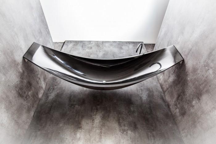 hammock-tub-22 25 Creative and Unique Bathtubs for an Elegant Bathroom