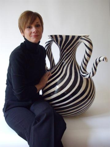 handbuilt-ceramic-design-art 35 Designs Of Ceramic Vases For Your Home Decoration