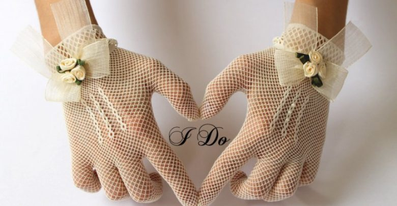 Photo of 35 Elegant Design Of Bridal Gloves And Tips On Wearing It In Your Wedding