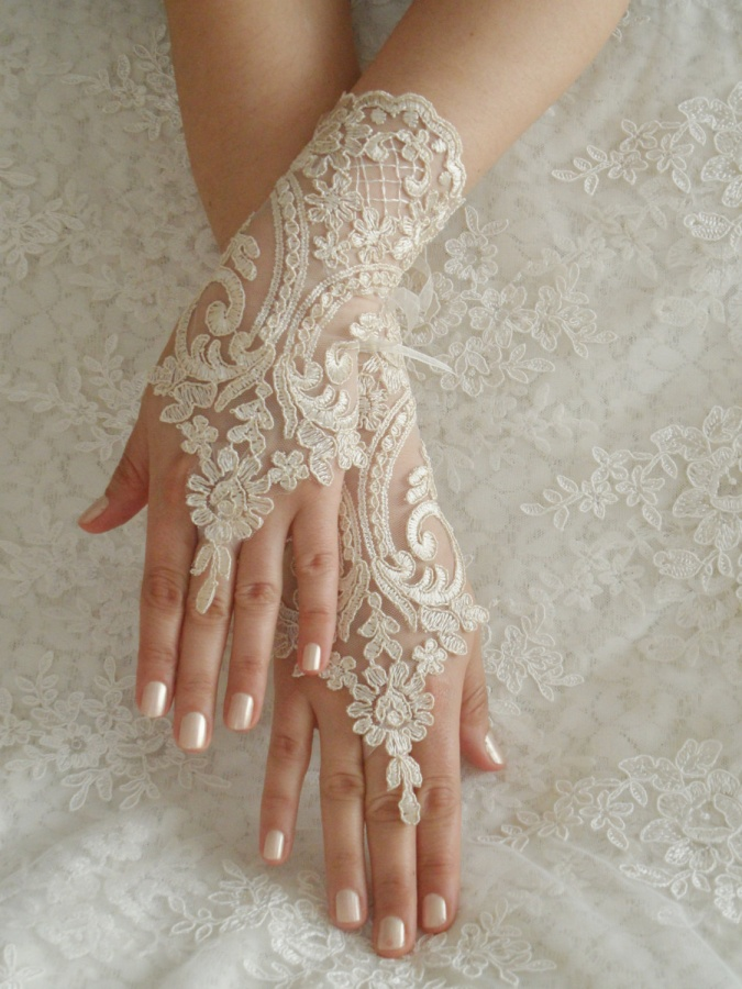 il_fullxfull.455502135_ipbd 35 Elegant Design Of Bridal Gloves And Tips On Wearing It In Your Wedding