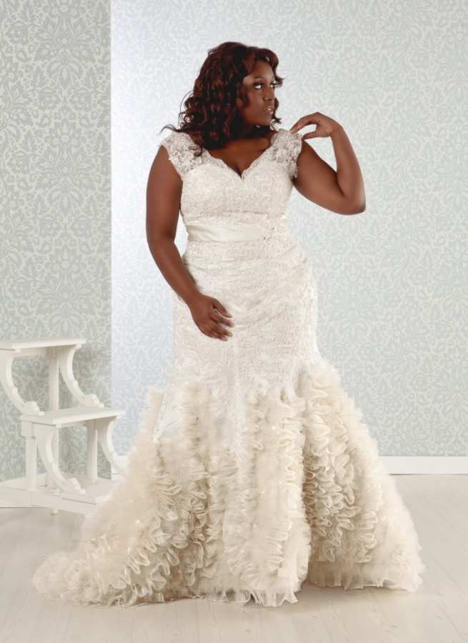 mar-746x1024 Tips To Choose The Perfect Plus Size Bridal Dress...