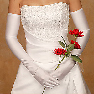 opera-gloves 35 Elegant Design Of Bridal Gloves And Tips On Wearing It In Your Wedding