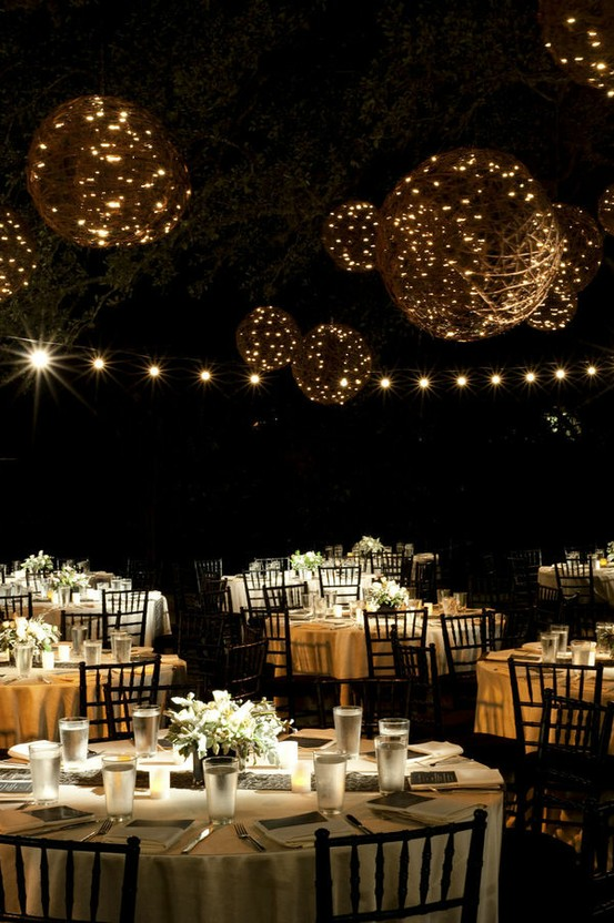 Outdoor-night-wedding-reception-decoration-ideas