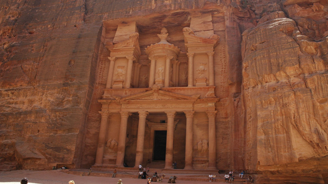 petra Top 25 Places You Have To See Before You Die...