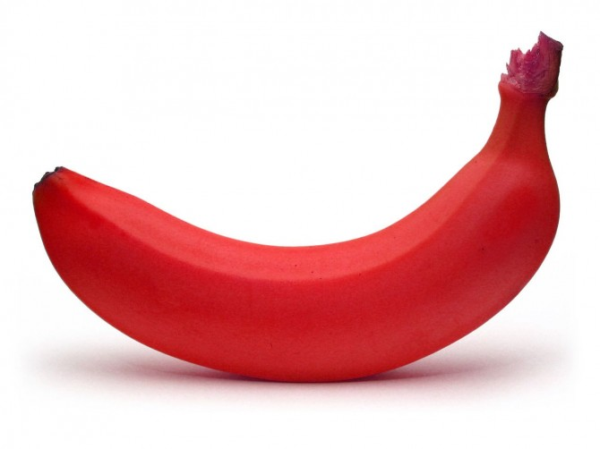 red-banana-670x502 Have You Ever Tried Eating Red Bananas?