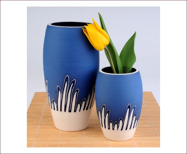 rowena_gilbert_contemporary_ceramics_reed_design_curved_vase_cobalt_blue 35 Designs Of Ceramic Vases For Your Home Decoration
