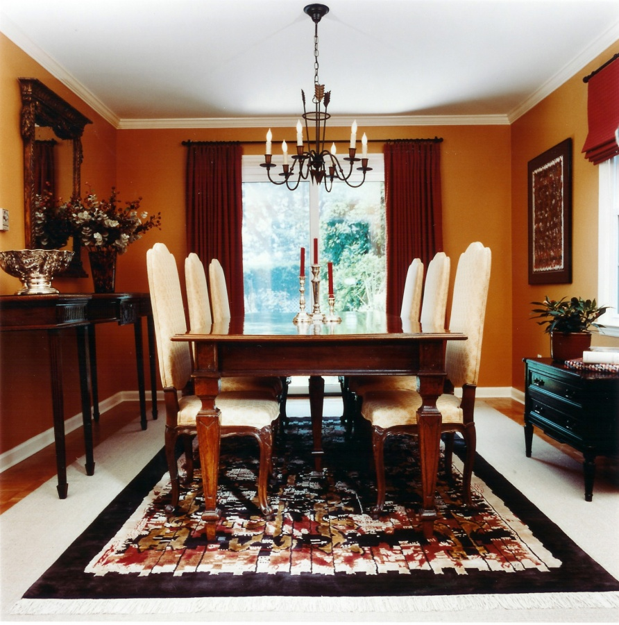 rug-in-dining-room 28 Elegant Designs For Your Dining Room