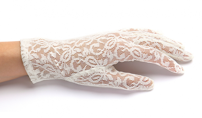 screen_shot_2013-04-12_at_13.26.37 35 Elegant Design Of Bridal Gloves And Tips On Wearing It In Your Wedding