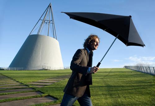 senzsmart 18 Insanely Unique Umbrellas
