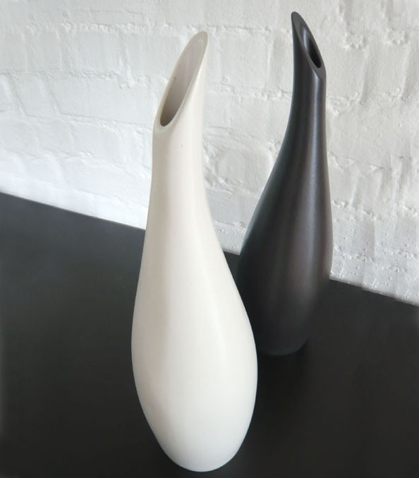 tallopusvasesmain_1 35 Designs Of Ceramic Vases For Your Home Decoration