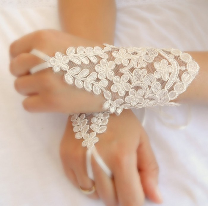 trendy-mods 35 Elegant Design Of Bridal Gloves And Tips On Wearing It In Your Wedding
