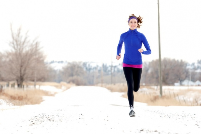 womanrunningonsnow What Are the Military Workouts?