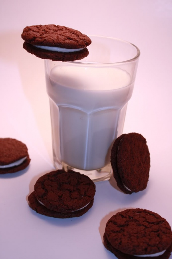 032509-HomemadeOreos16 Learn to Make Oreo Cookies on Your Own