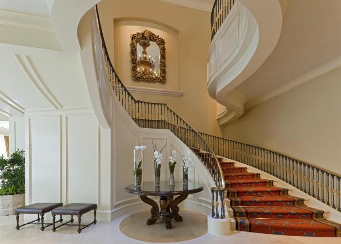 1030056 Make Your Home Look Like a Palace