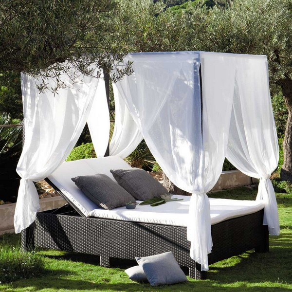 115803_2 Outdoor Beds Are Great For Relax During The Summer