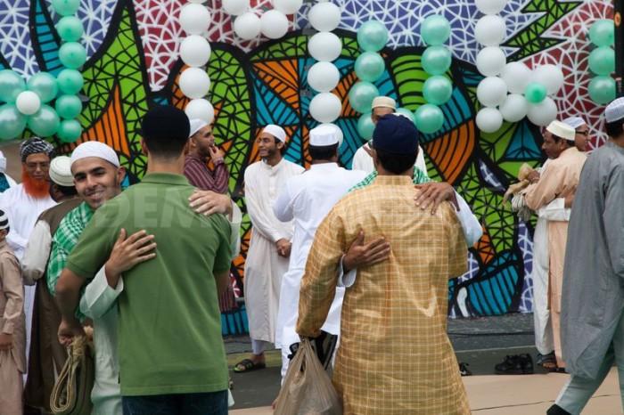1345403947-muslims-celebrate-eid-following-a-month-of-ramadan_1397332 Muslims' Celebrations In Eid Al-Fitr