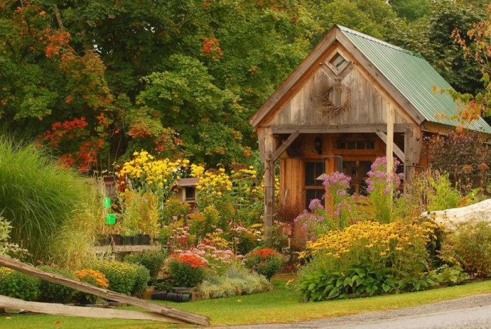 172244_089b555fd2feeeab9e836256c547c110_large 13 Impressive Rustic Garden Style With Its Attractive Elements