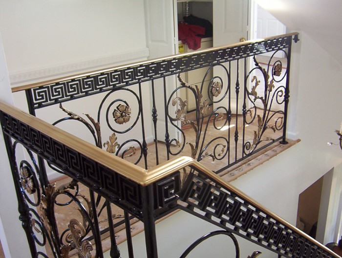 1_wrought-iron-handrail-designs Decorate Your Staircase Using These Amazing Railings
