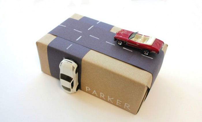 2-creative-gift-wrapping-kids-cars-and-road-2 35 Creative and Simple Gift Wrapping Ideas