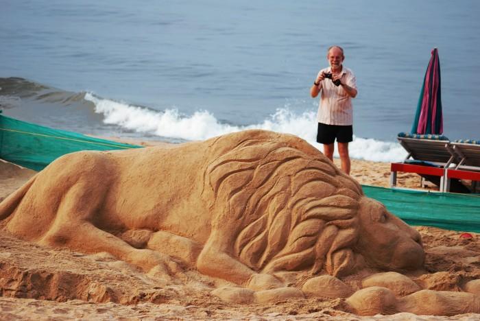 25020 30 Stunning Installations Made Of Sand Beach