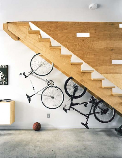 6867350_f520 Turn Your Old Staircase into a Decorative Piece