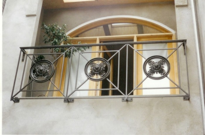 Alluring-Balcony-Deck-Ideas-Offering-Adorable-Open-Space-Wonderful-Balcony-Railing-Designs 60+ Best Railings Designs for a Catchier Balcony
