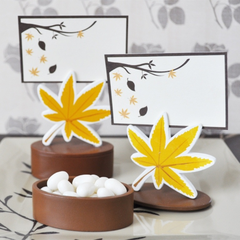 Autumn-Leaf-Place-Card-Holder-Favor-Box-EB-EB2090_lg 10 Autumn Gift Ideas for Inspiring You
