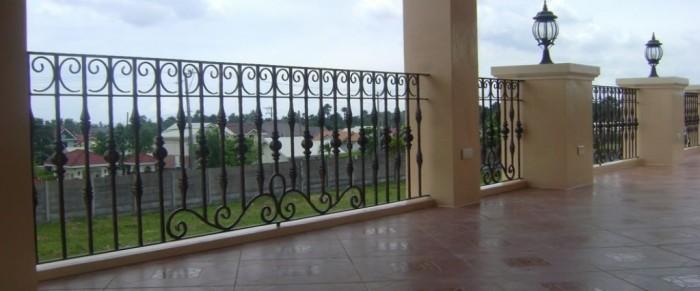 60+ Best Railings Designs for a Catchier Balcony   Pouted.com