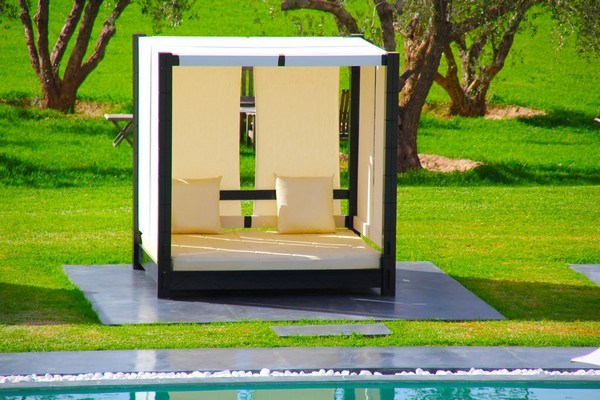 Baldaquin Outdoor Beds Are Great For Relax During The Summer