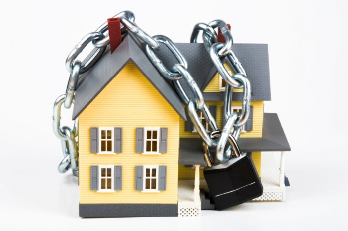 Chained-House How to avoid foreclosure