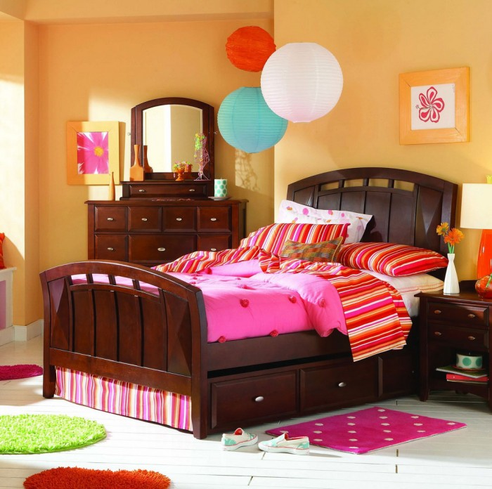 Colorful-Children-Bedroom-Interior-Designs-Layout Get A Delight Interior By Applying Some Colorful Designs