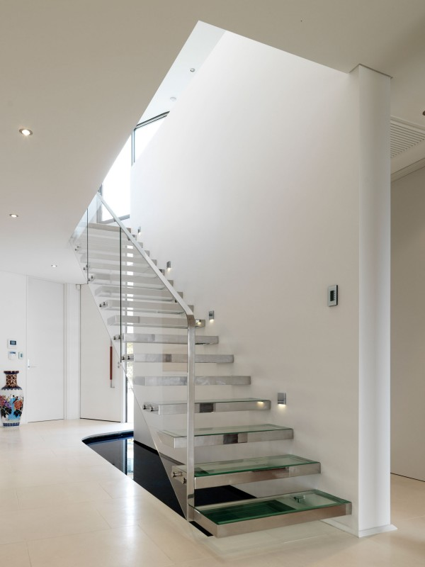 Euryalus-Street-House-Glassy-Stairs-Design Turn Your Old Staircase into a Decorative Piece