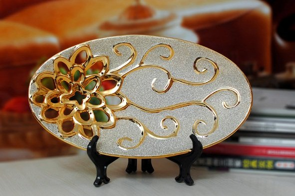 Free-Shipping-Ceramic-Decorative-Plate-Porcelain-Gold-and-Silver-Plated-Frosted-Silver-Hollow-Out-Carvings-17 20 Wonderful Designs Of Ceramic Plates