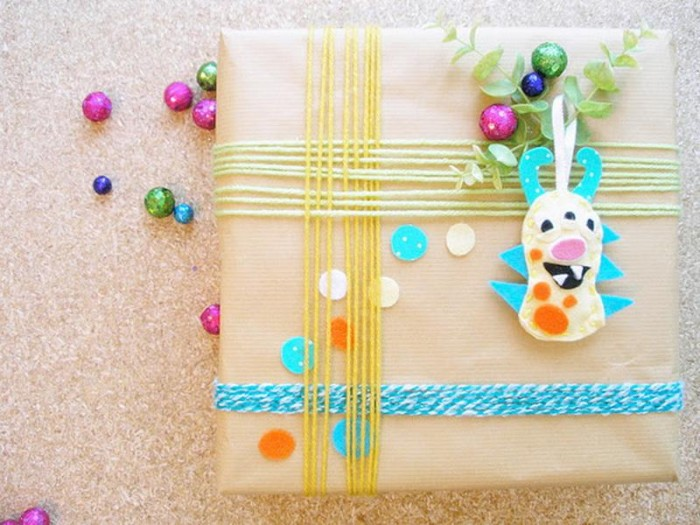 Gifts-Cute-Christmas-Wrapping-Ideas 35 Creative and Simple Gift Wrapping Ideas