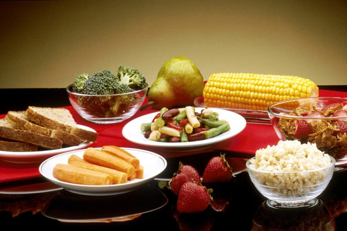 Good_Food_In_Dishes_-_NCI_Visuals_Online 15 Ways You Should Know to Start Eating Healthy